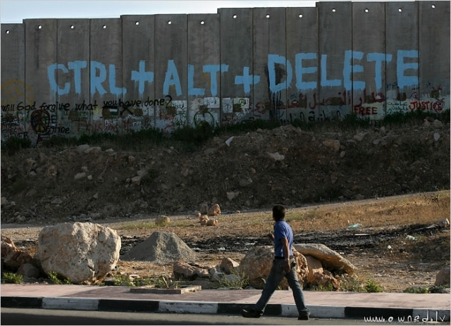 Ctr Alt Delete graffiti