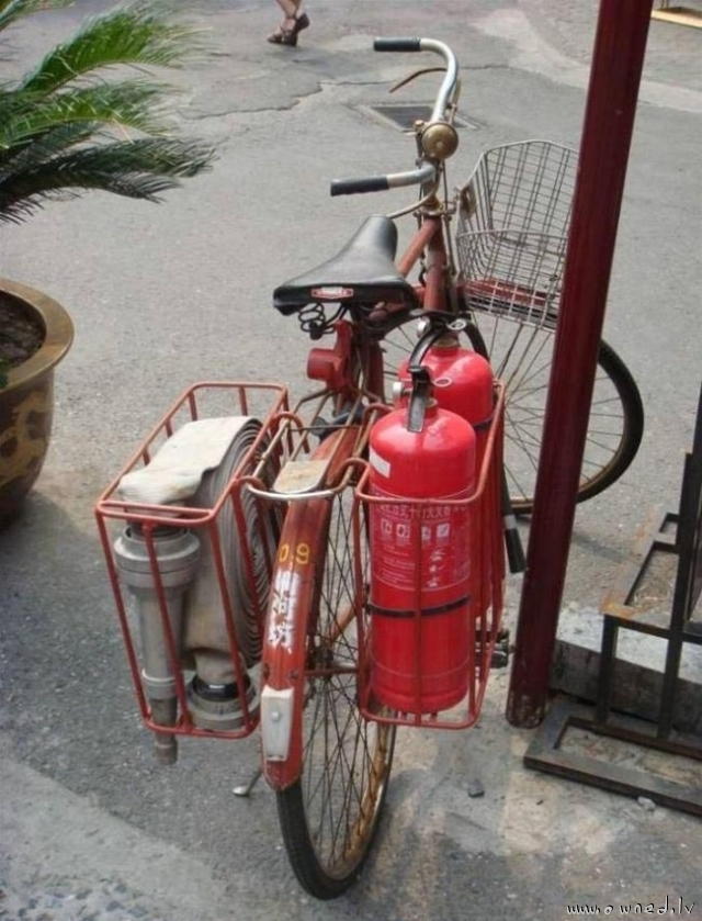 Mobile firefighting unit