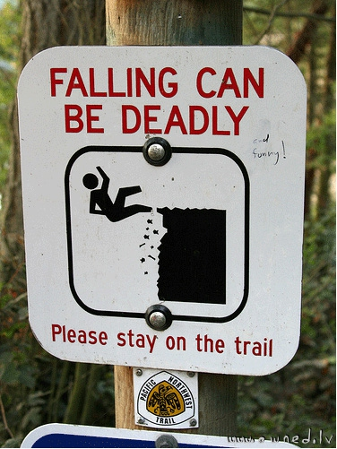 Falling can be deadly and funny !